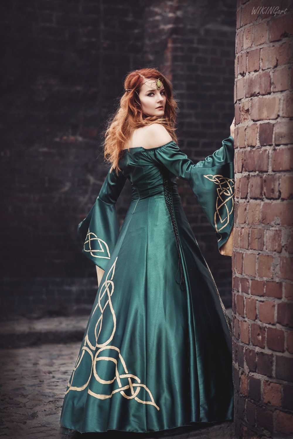 SAMPLE SALE Elven dress with long sleeves forest green