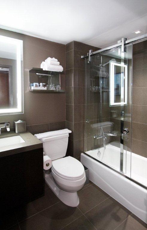Hotel Room Furniture: THE NOVOTEL: NEW YORK, NY