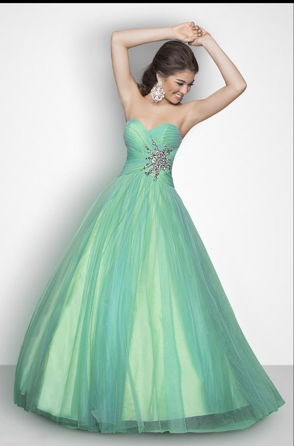 Pin by Lexi Lee on If I ever go to prom | Pinterest | Prom