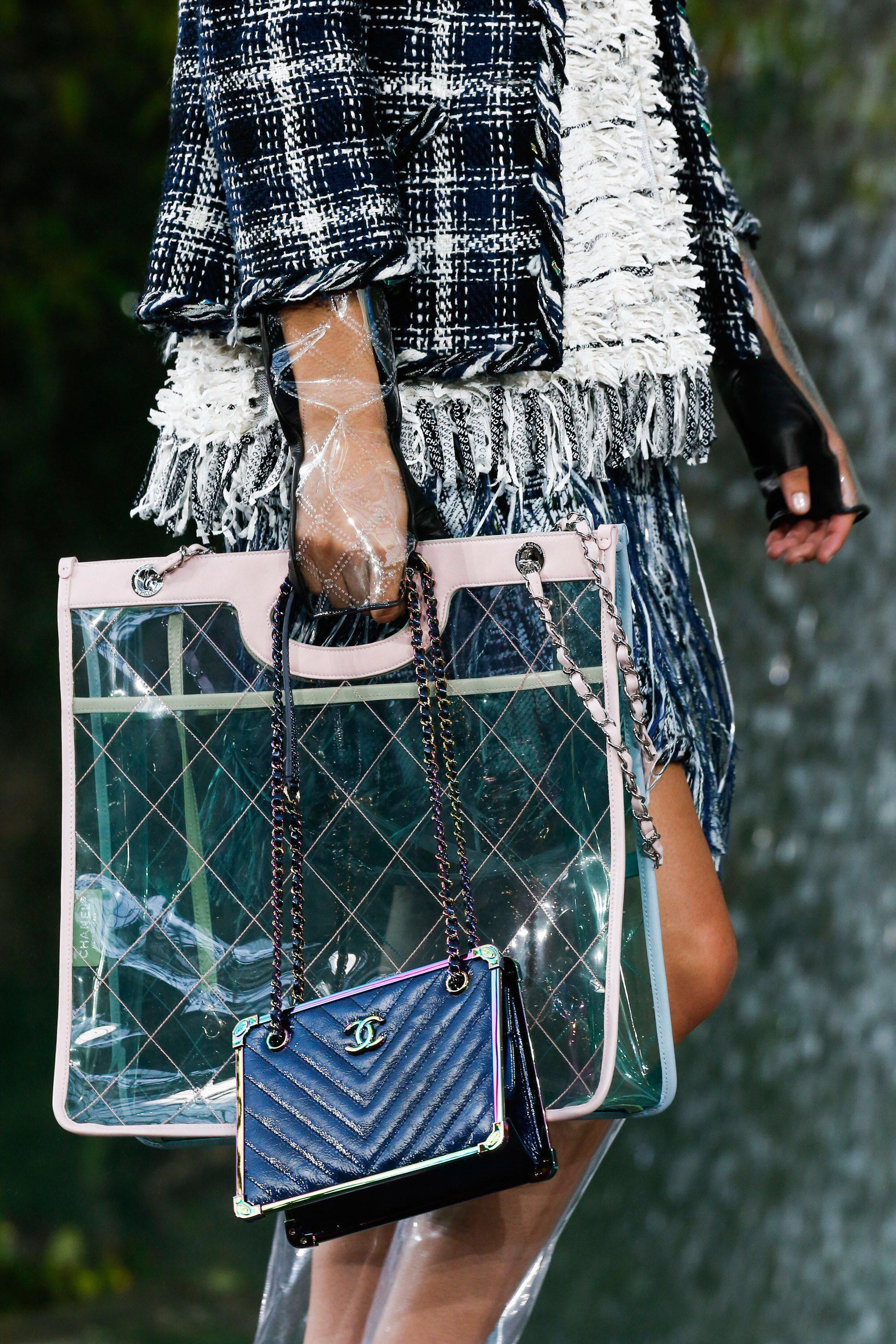 0906b232c97a Chanel Spring 2018 Ready-to-Wear Fashion Show Details  Chanelhandbags