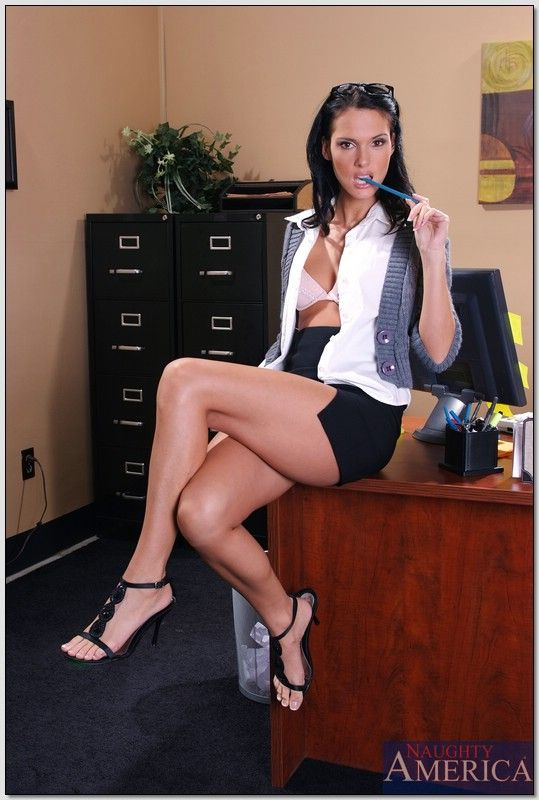 Jennifer Dark As The Naughty Secretary Office Bra