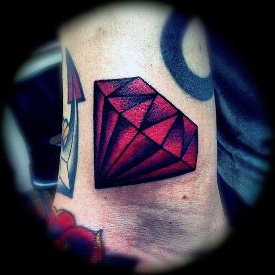 50 Traditional Diamond Tattoo Designs For Men Jewel Ink Ideas Traditional Diamond Tattoo Diamond Tattoo Designs Diamond Tattoos