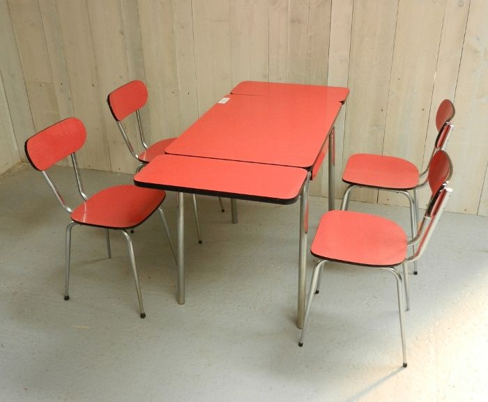 Lovely Original Extending Formica Table And 4 Matching Chairs. The Table Extends  Both Sides.