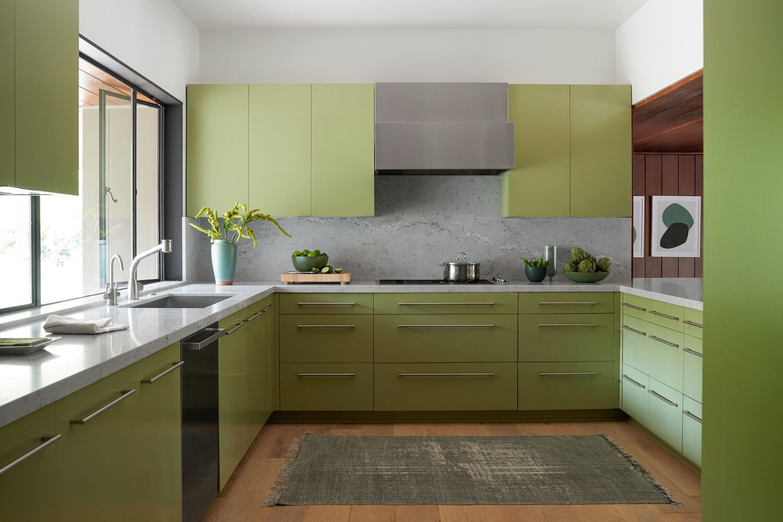 Pasadena Modern Raili Ca Design In 2020 Green Kitchen Green Kitchen Cabinets Green Countertops