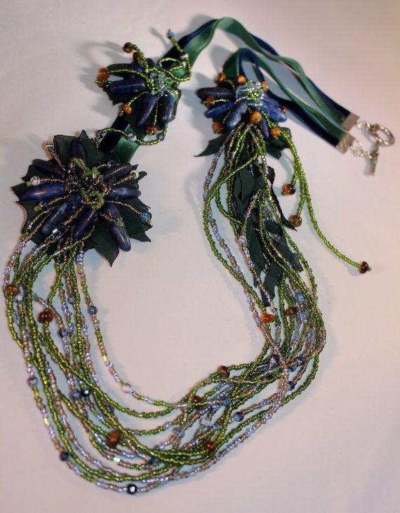Collana Handmade / verde blu collana / floreale di Sibelajewellery