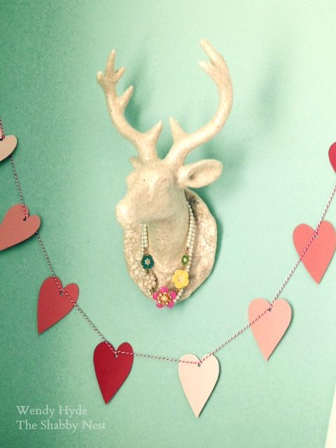 Simple (and adorable) DIY heart garland.  Perfect for Valentine's Day!