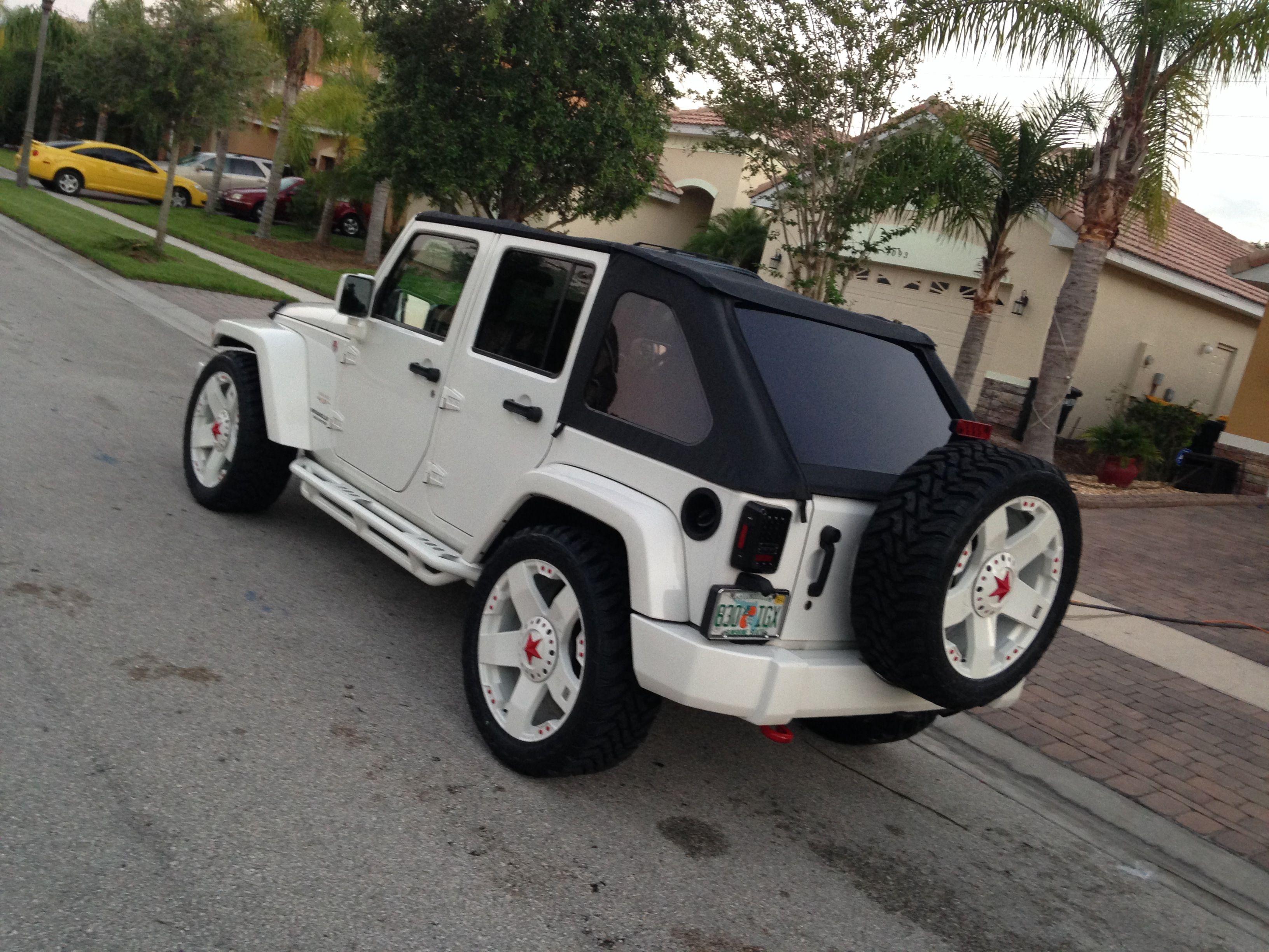 2010 Jeep Wrangler Sahara White