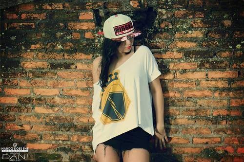 A marca paulistana NiggaZ Wear presta homenagem à grandes nomes do Hip-Hop internacional com uma série de snapbacks e strapbacks da coleção Verão 2014, em bonés com os nomes e fotos de Tupac Shakur,...