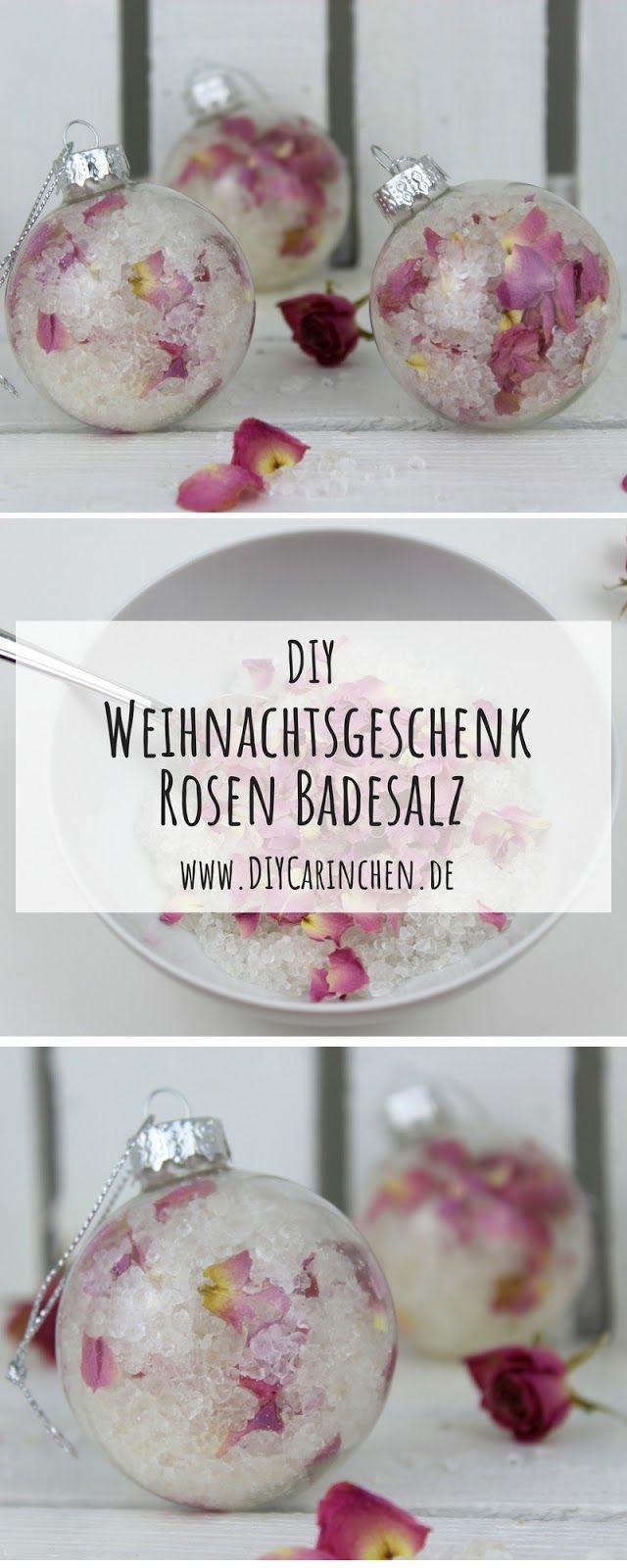 DIY Badesalz mit Rosenblütenblättern selbermachen in Christbaumkugeln