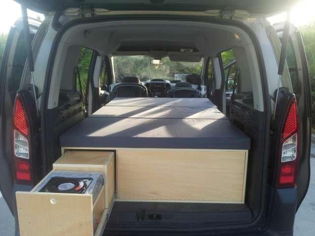 mueble camper kangoo partner berlingo foto 1 road trip vehicle interior ideas pinterest. Black Bedroom Furniture Sets. Home Design Ideas