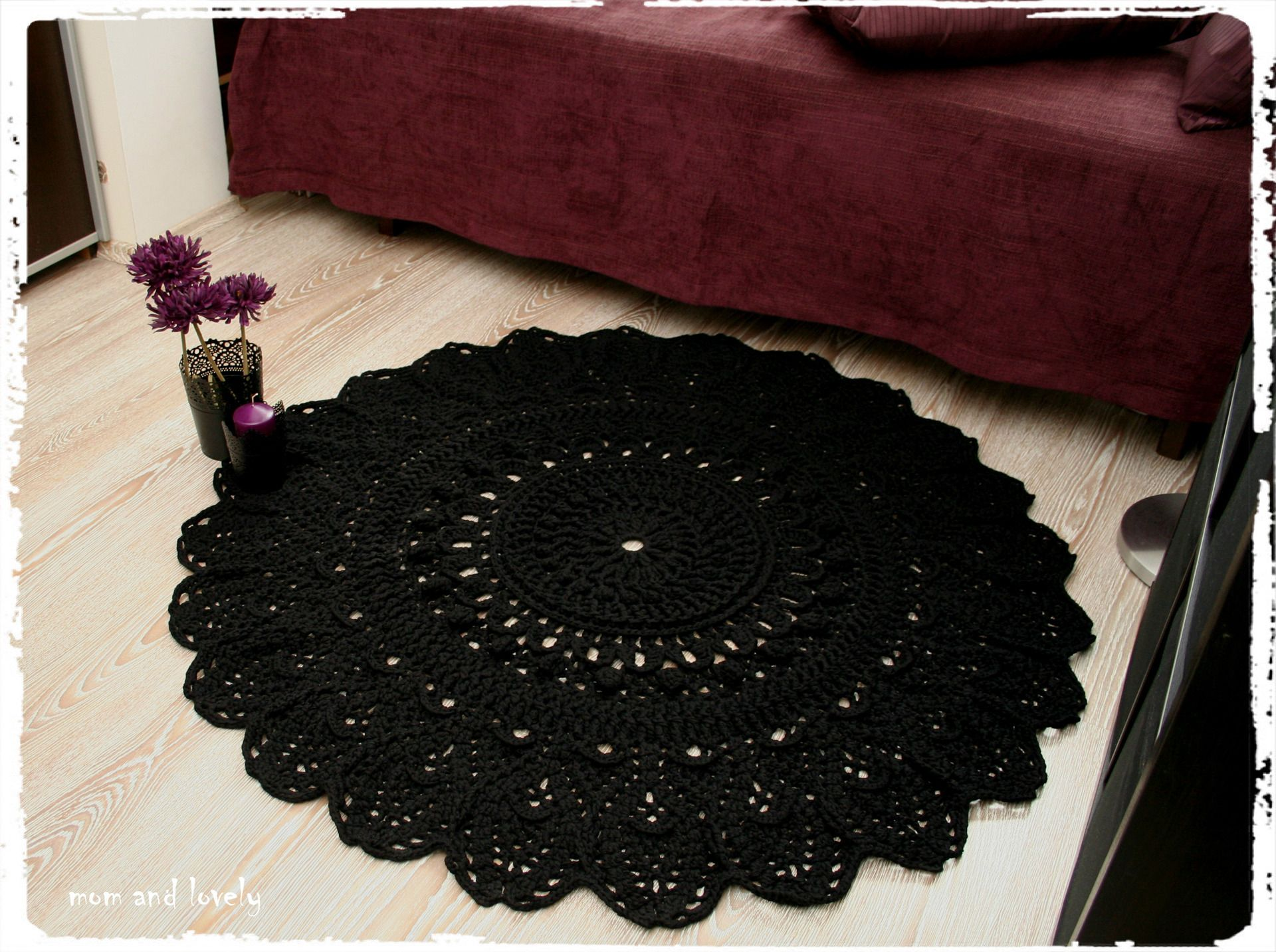 tapis rond au crochet en 100 coton couleur noir du crochet du tricot et hop pinterest. Black Bedroom Furniture Sets. Home Design Ideas