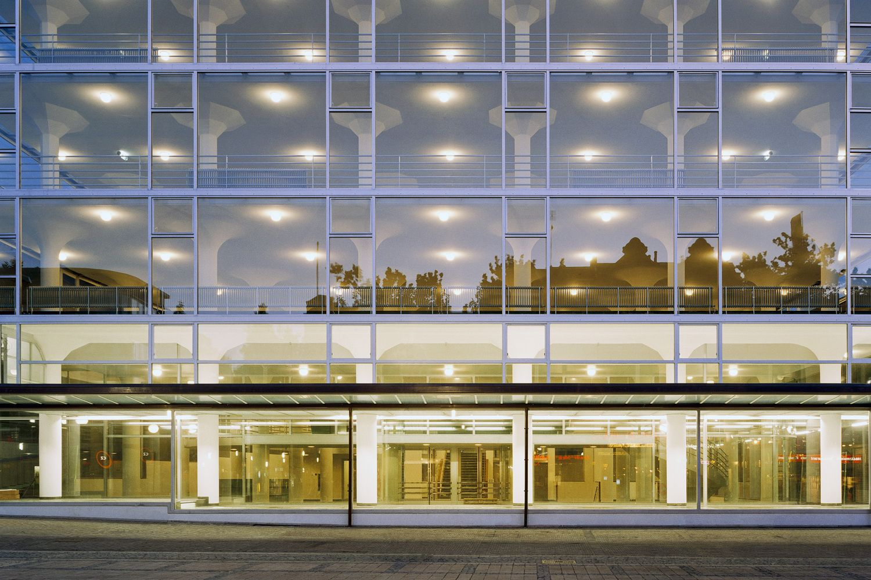 Design house heerlen - Frits Peutz Glaspaleis Schunck Heerlen Renovatieproject Wiel Arets Architects
