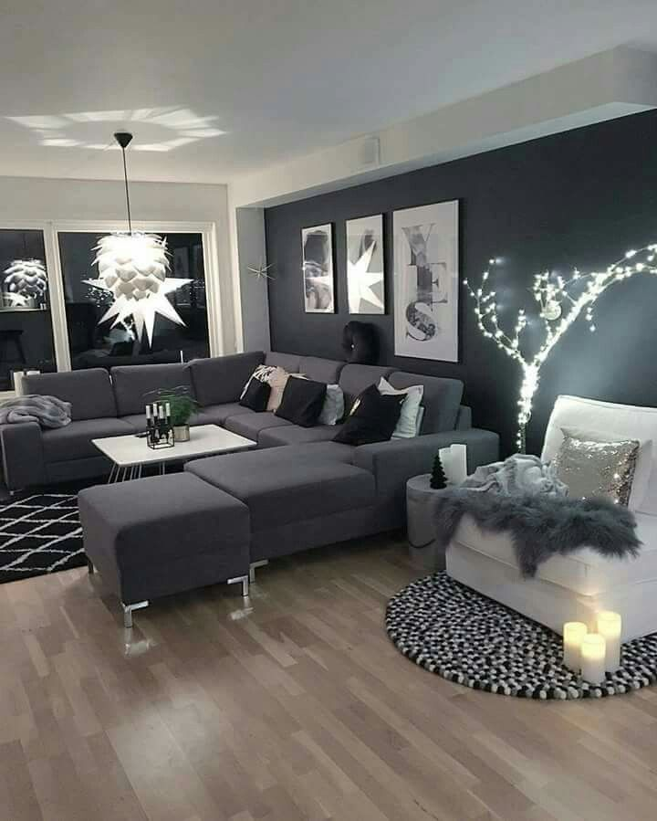 Absolutely Stunning The Enormous Dark Grey Sofa Matching Feature Wall Quite Simple Decor Decoracao Da Sala Ideias De Decoracao Decoracao Da Sala De Estar