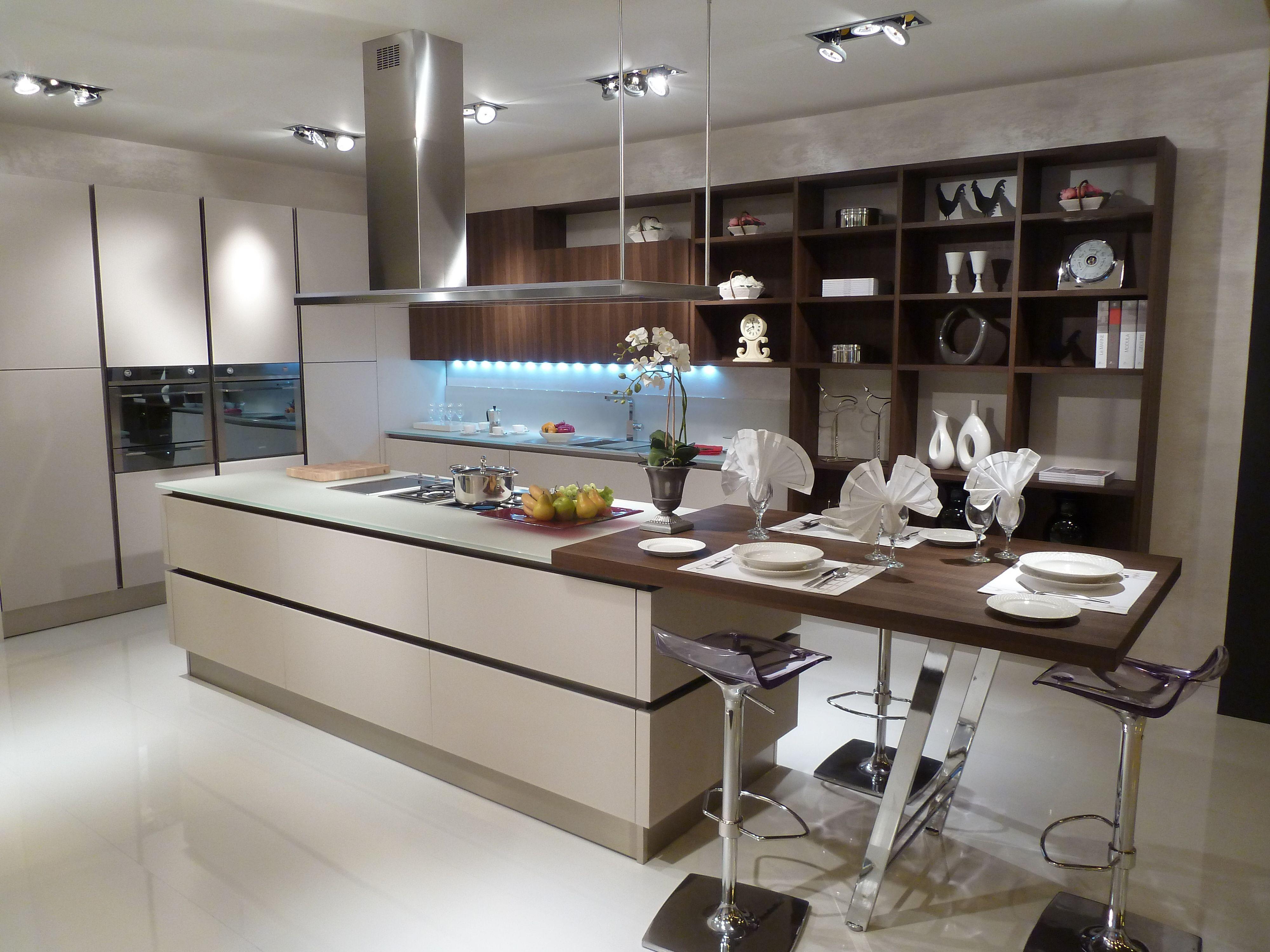 Ella Jade interiors and Veneta Cucine kitchen at 100%design 2012 ...