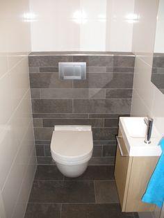 modern toilet design met grijze tegel - Google zoeken | Badkamer ...