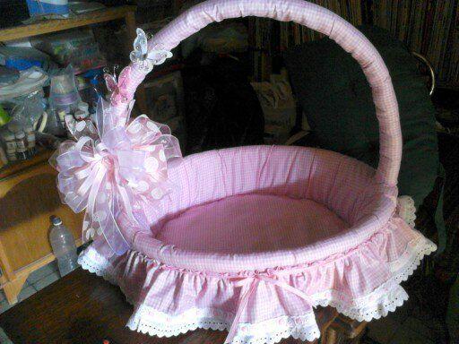 Hermosa canasta forrada, para guardar los accesorios de tu bebéme encanta