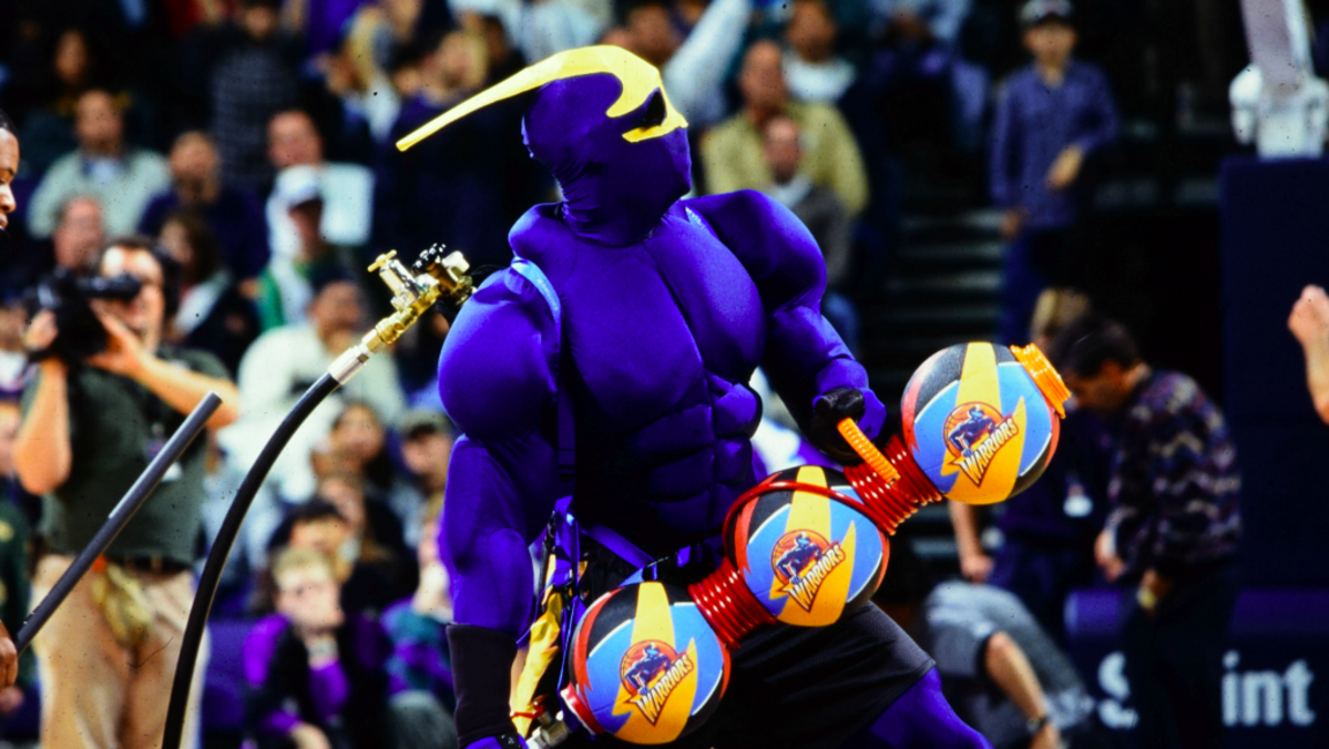 First Man To Dazzle Crowds As Warriors Thunder Mascot Dies Nbc Bay Area Warriors Thunder Mascot Warrior