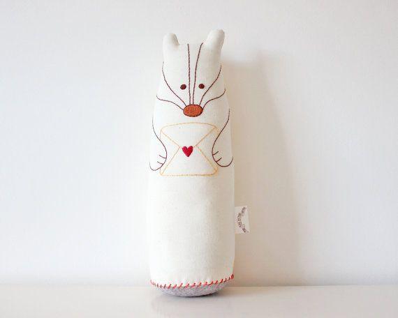 Tejón peluche bordada a mano de peluche Animal por TheFoxintheAttic