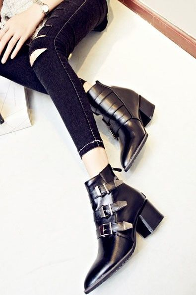 LUCLUC Black Three-buckles Chunky Heel Shoes