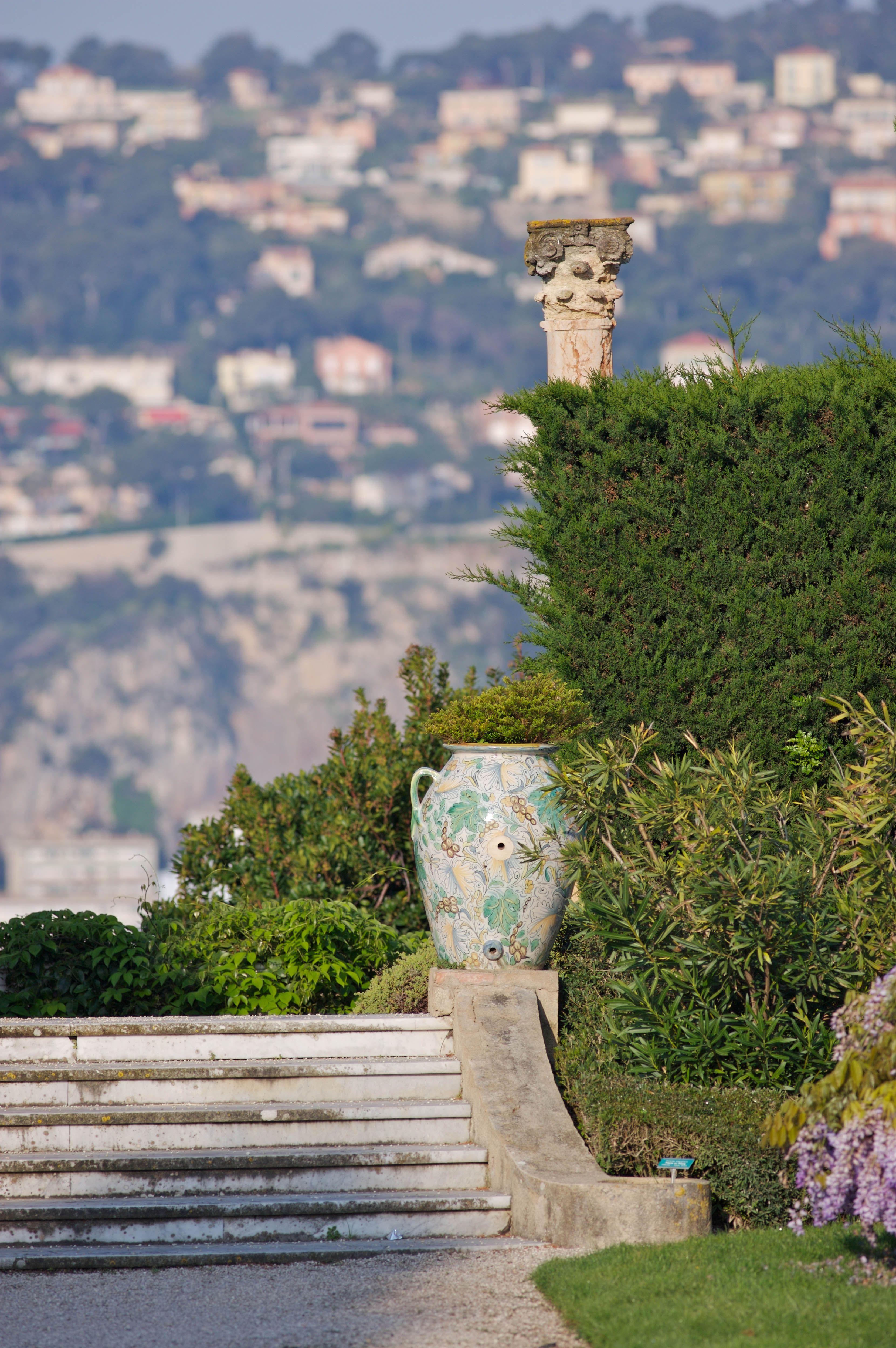 Quelques Marches Dans Le Jardin De La Villa Ephrussi De Rothschild (Saint  Jean