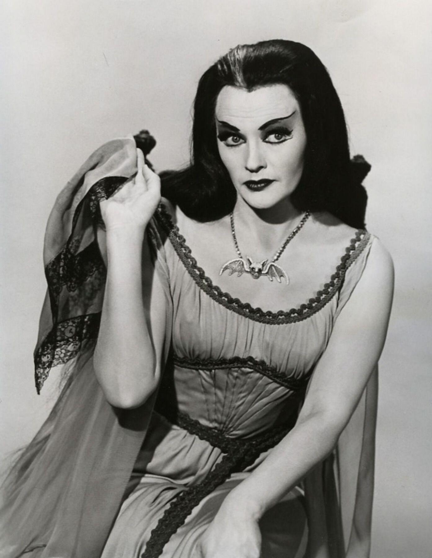 Joan Smalls picture