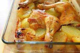 Una forma muy buena de preparar muslos de pollo con una cama de patatas es al horno, la carne queda muy jugosa y con pollo macerado con...