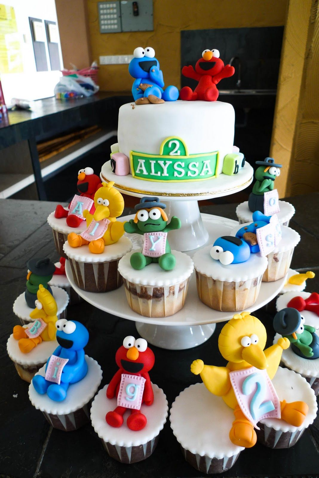 Sweet Amp Clay Alyssa Big 2 Sesame Streets Cake