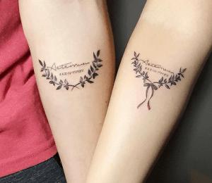 tatouage fleur de lys tatoo tattoos couple tattoos. Black Bedroom Furniture Sets. Home Design Ideas