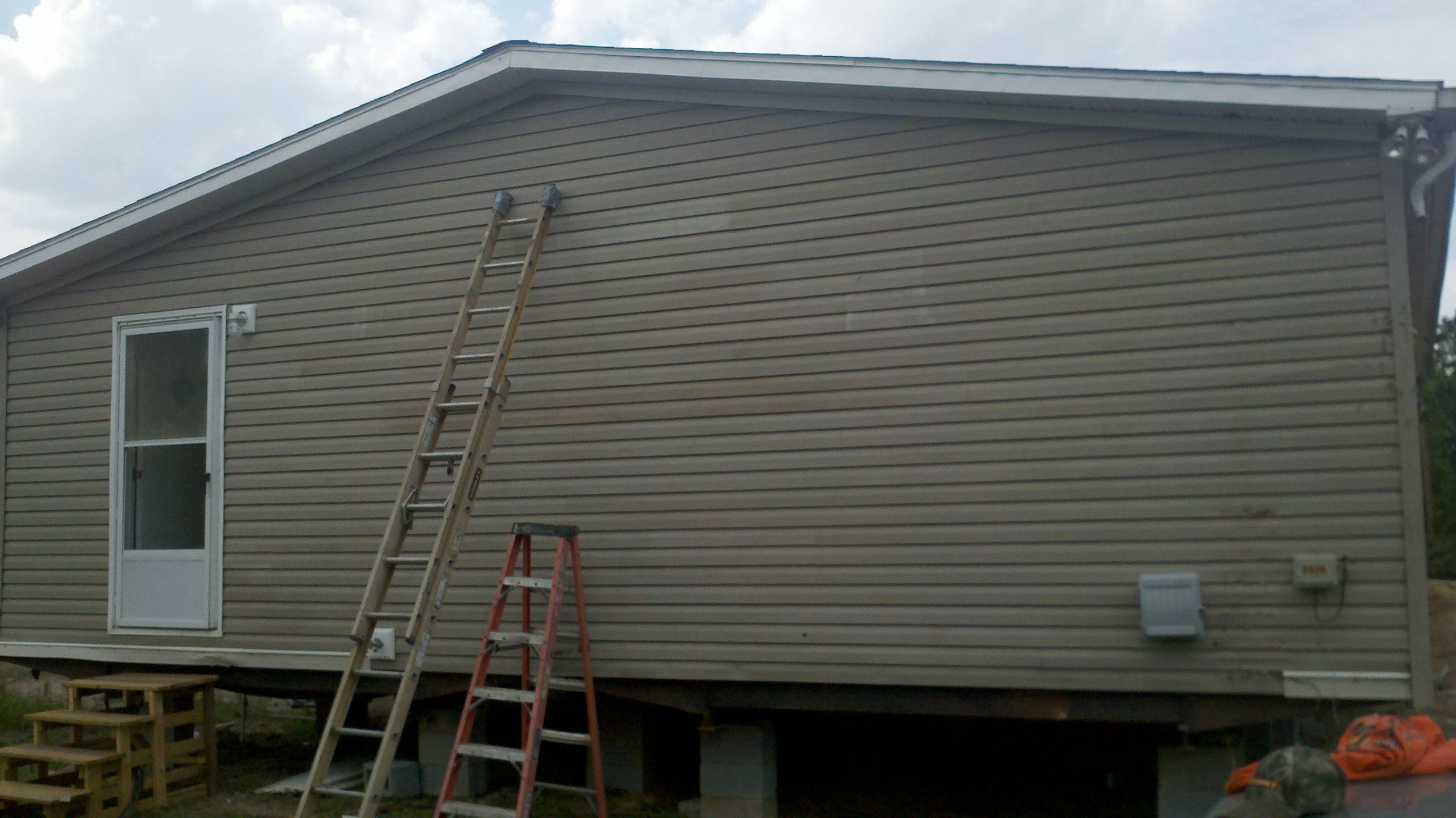 Siding done, house ready to have inside done then we can move in!!!