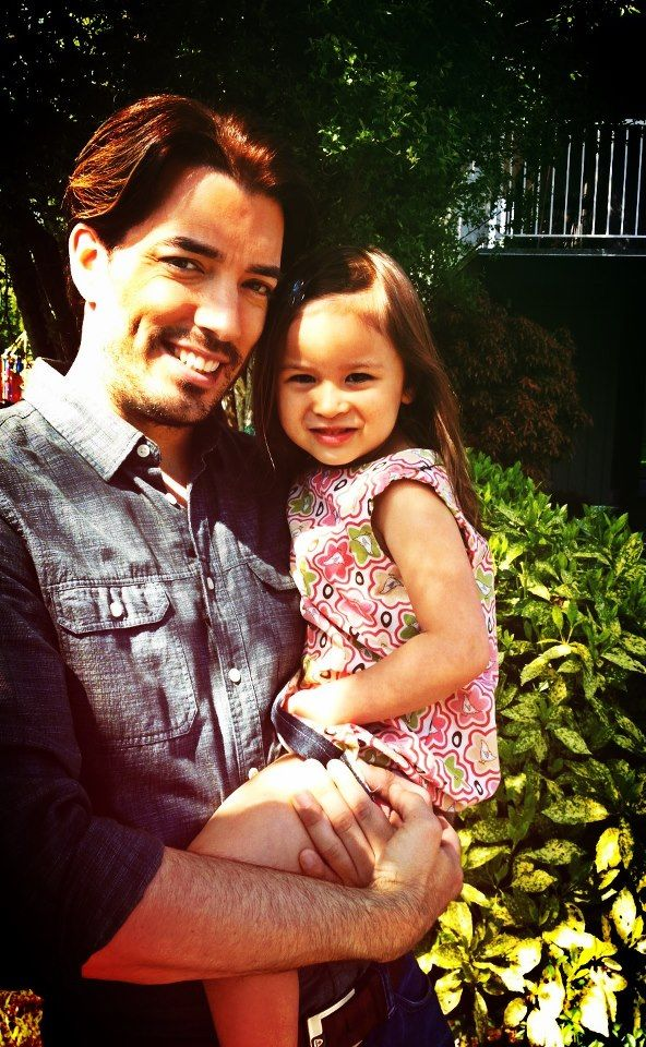 Jonathan holding a young girl! I❤️this pic of him holding her! They look so sweet,cute & adorable together! Jonathan's going to be a great dad!  #MrSilverScott #aww #adorable #cute