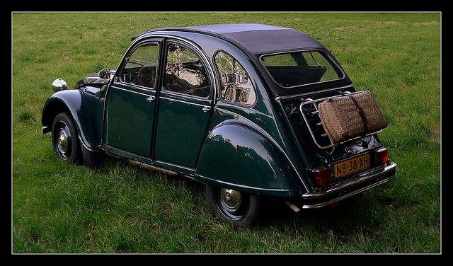 ready for a picknick 2    Citroën 2CV