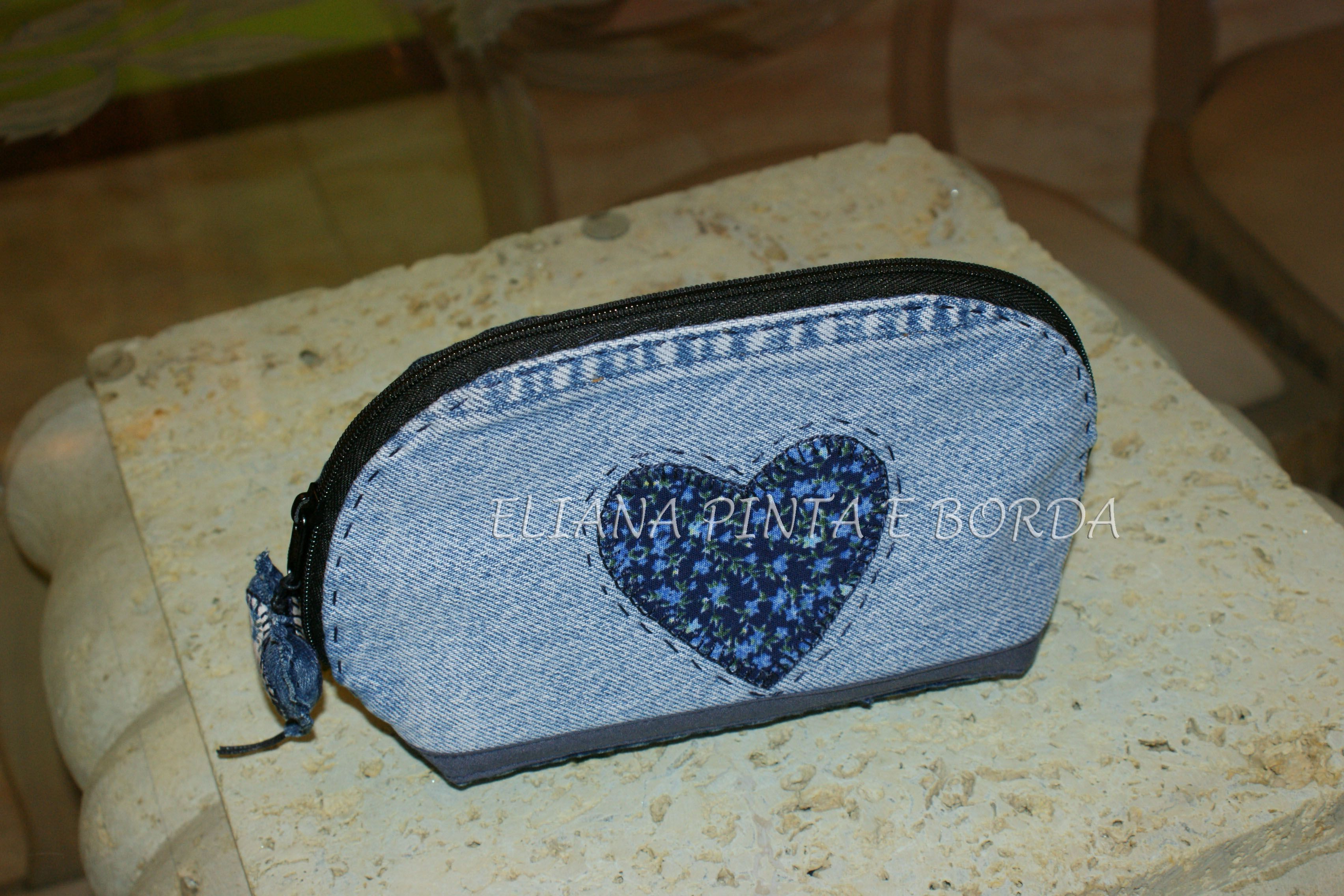denim upcycle zipper pouch