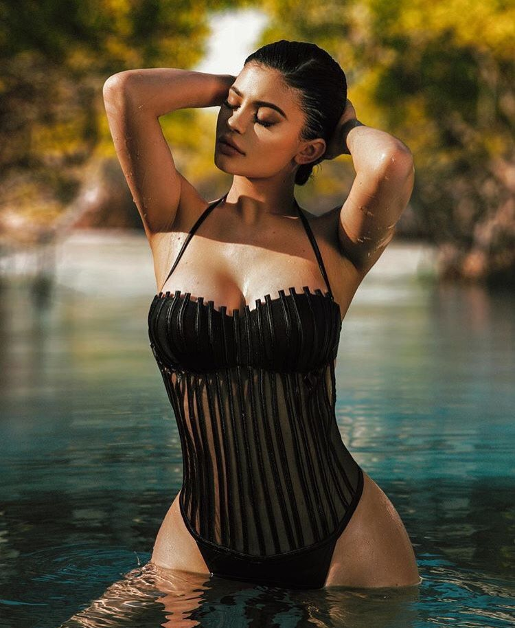 3f298cd27ff Kylie Jenner