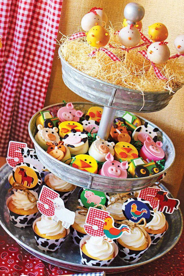 farm chicken cake pops and farm animal chocolate covered Oreos