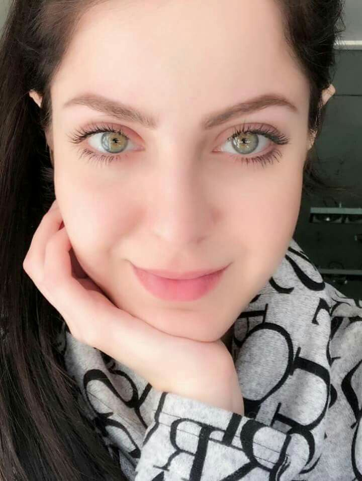 The most beautiful green eyes lady . | Beautiful green