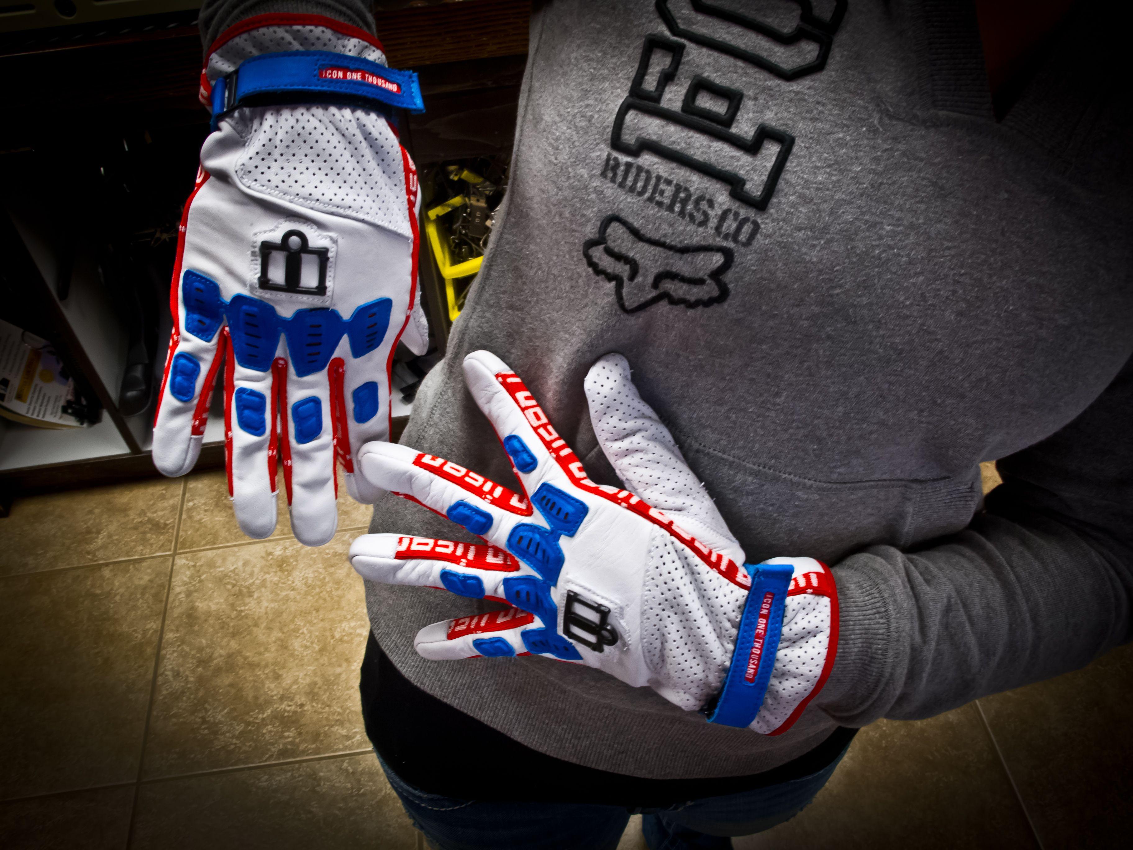 Glory Gloves!