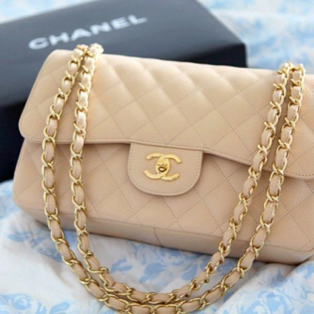 8e83294684b Vintage Chanel classic flap bag in beige lambskin leather with gold hardware