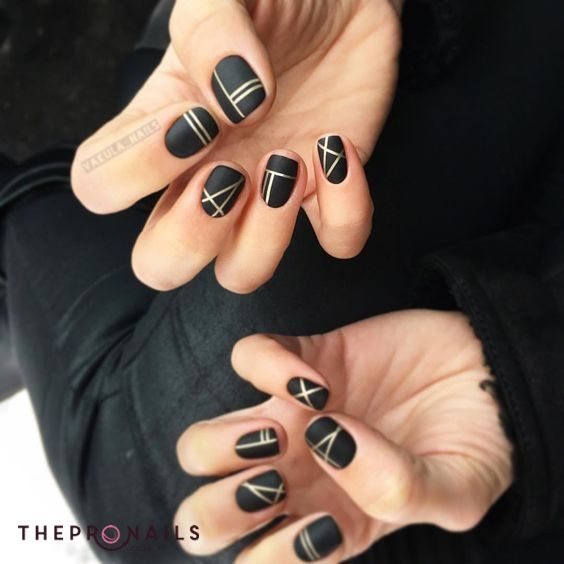 Minimalist Simple Geometric Nails Art Simple Geometric Black And White Line Nail Designs Lines On Nails Line Nail Art