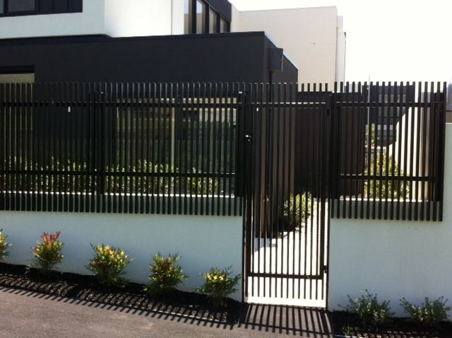 tubular-steel-contemporary-fencing-3.jpg (640478)