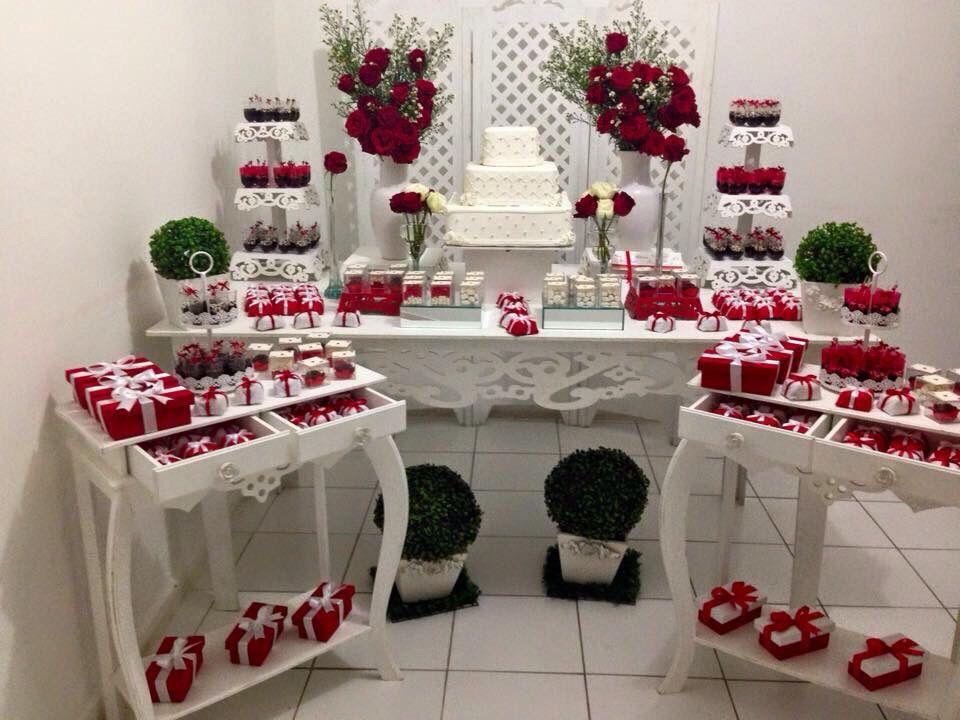 Noivado e casamento Vermelho e branco Produç u00e3o Estrela Eventos 11 974696610 WhatsApp Casamento  -> Decoração De Mesa De Bolo De Noivado Simples