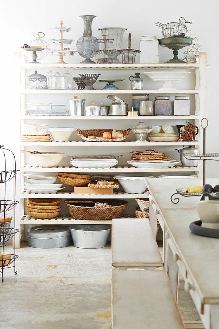Idea per arredare una cucina shabby chic provenzale con delle mensole bianche cucine pinterest - Mensole per cucine ...