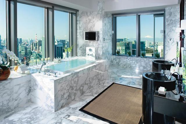10 Epic Hotel Bathrooms: Mandarin Oriental Tokyo