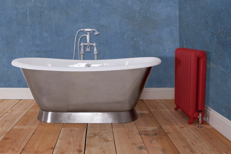 This is a stunning bath with a lovely modern look but with the charm ...