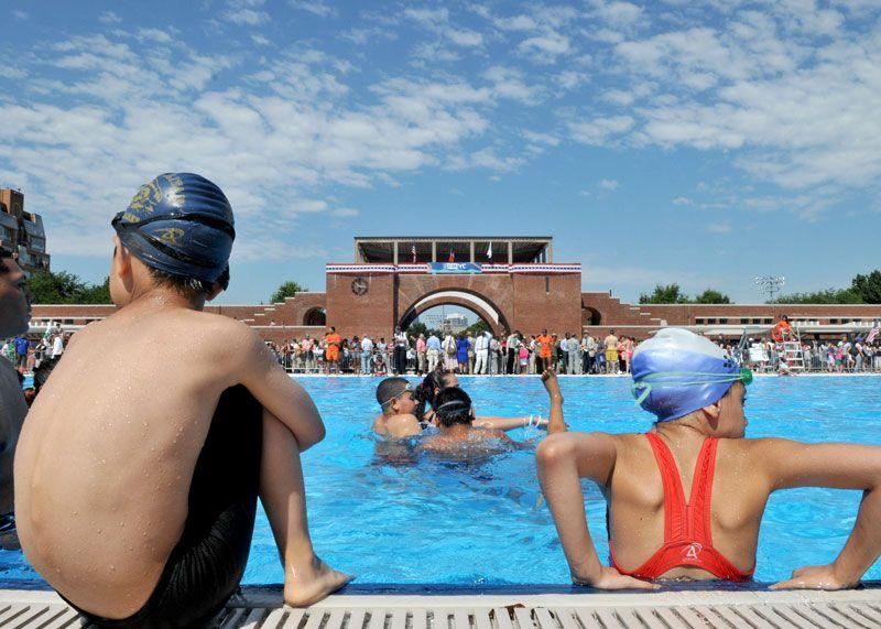 Mccarren Pool Opening Outdoor Pool Nyc Park Outdoor Swimming Pool