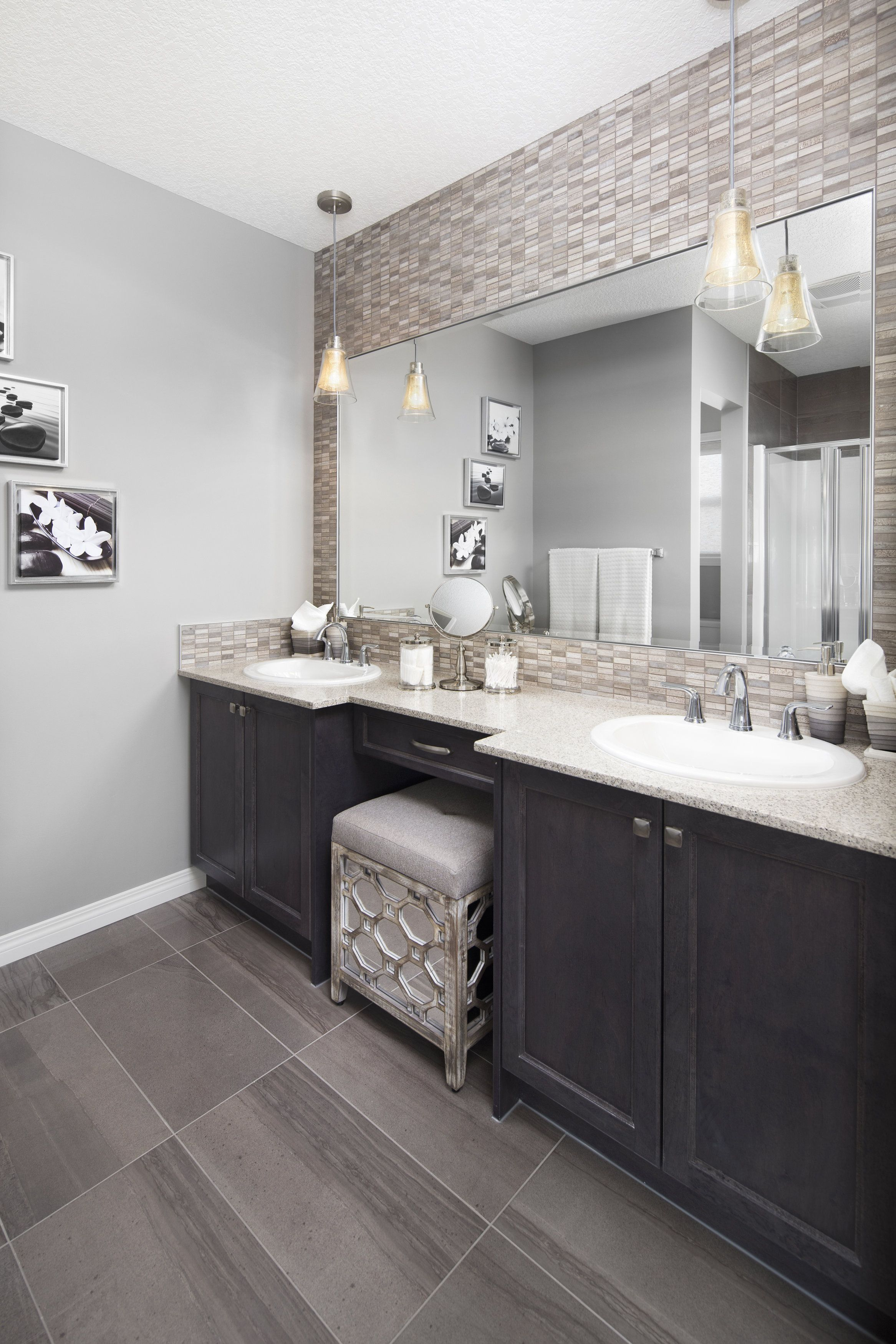 Owner S Ensuite In Shane Homes Tofino Ii Showhome In Redstone In