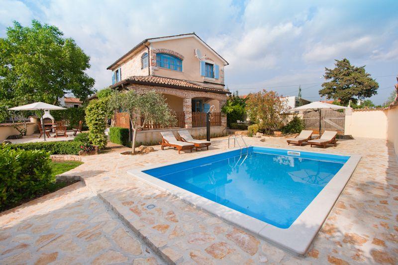 Kuschelig! Ferienhaus mit Pool bei Porec, Istrien