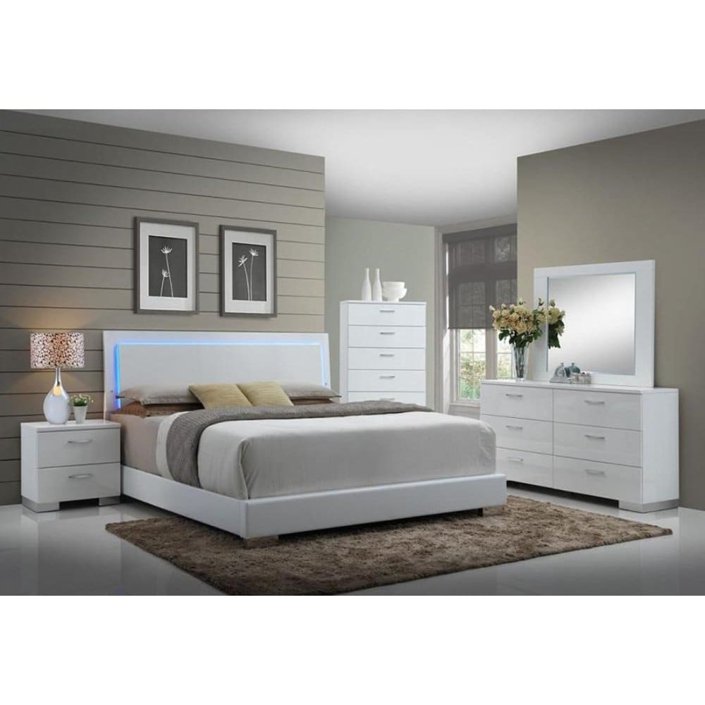 Porter 5 Piece Bedroom Set: Porter Exquisite 5-Piece Set With Chest (Eastern King