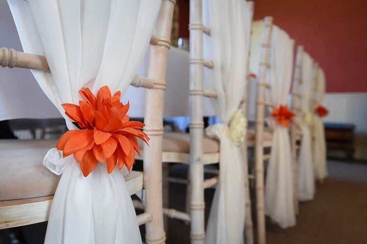 Wedding chair cover ideas | Fall wedding inspirtion styled shoot | fabmood.com #fallwedding #orangewedding