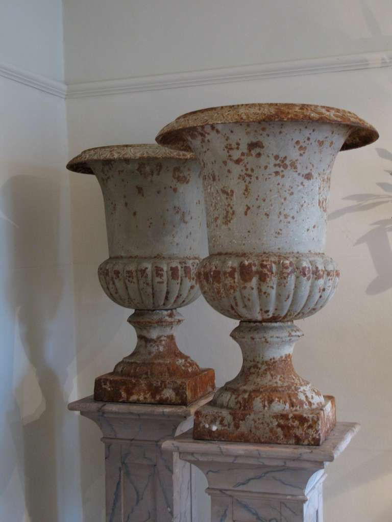 Wonderful Pair Of Large 19th Cent English Cast Iron Urns Image 5 With Images Urn Planters Antique Urn Urn