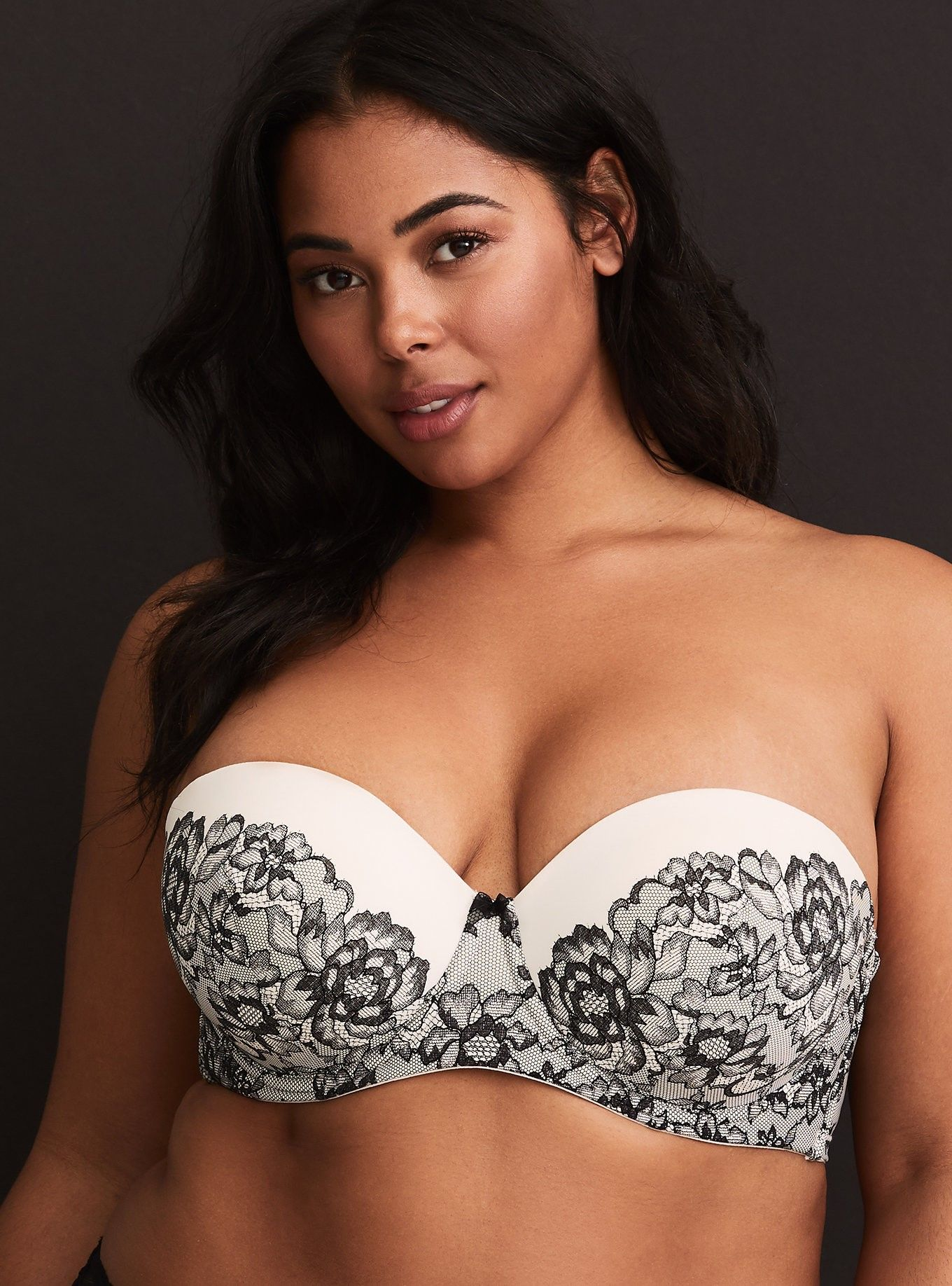 e84015716 Black   White Floral Print Push-Up Strapless Bra - This strapless bra is  crafted in a contrast floral lace design for the look of lace with the  smooth cups ...